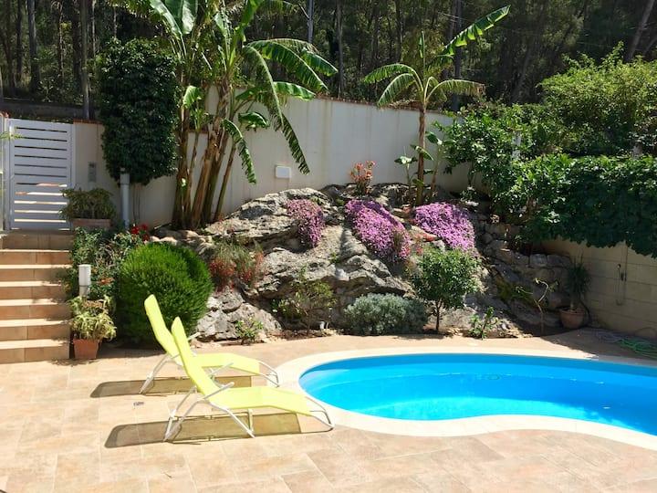 Camera privata in villa vista mare con piscina