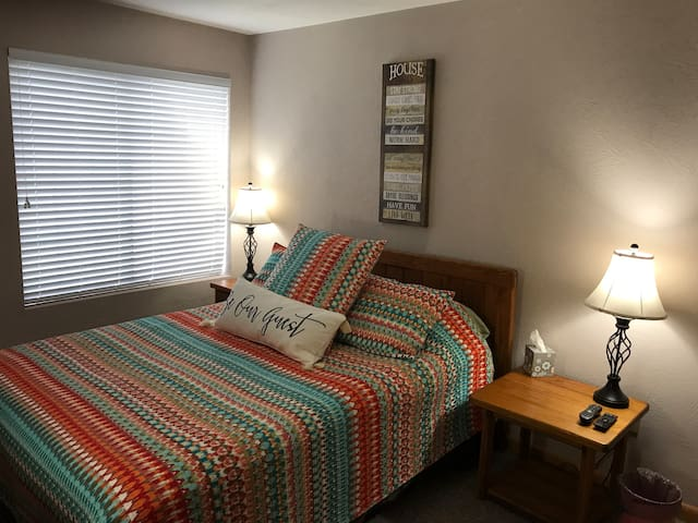 Cozy Summer Condo at Hidden Valley-Golf/Hike/Swim
