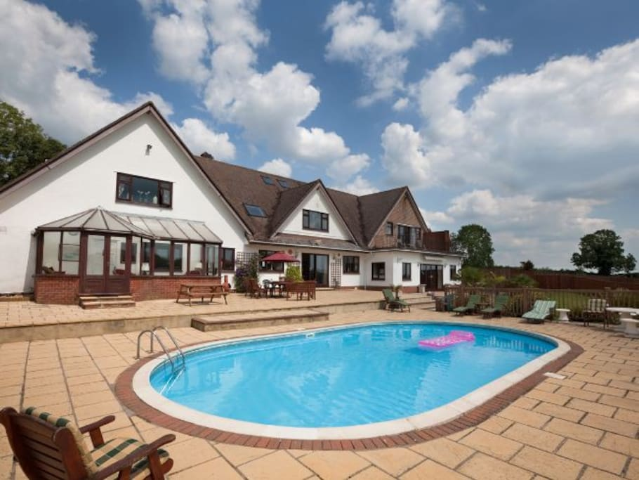 Ranmoor with Heated Swimming Pool, open only in summer months