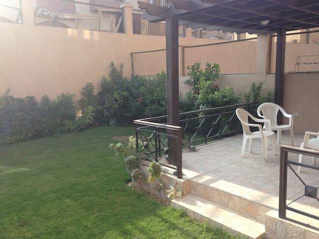 Lovely Villa in Compound in 6th of October City - 6th of October City - Pis
