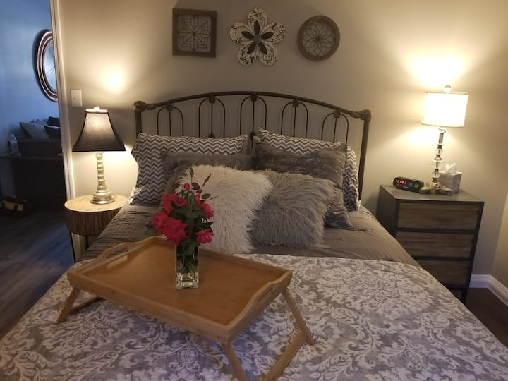 Eclectic Abode I-75 Hop & Skip City BEST LOCATION