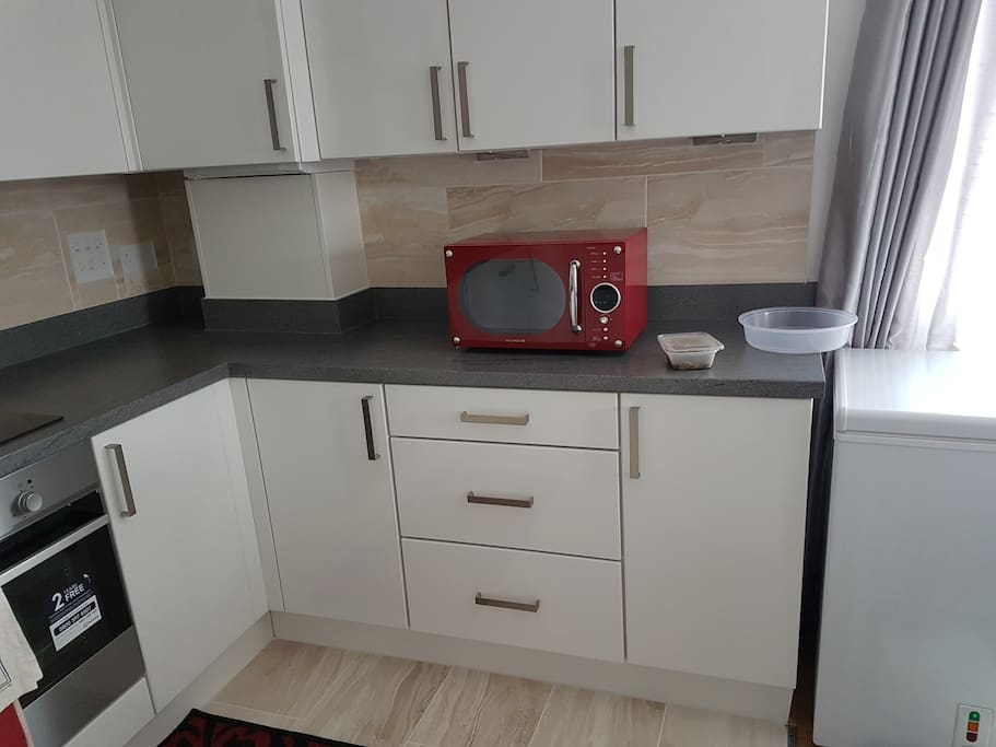 microwave/kitchen