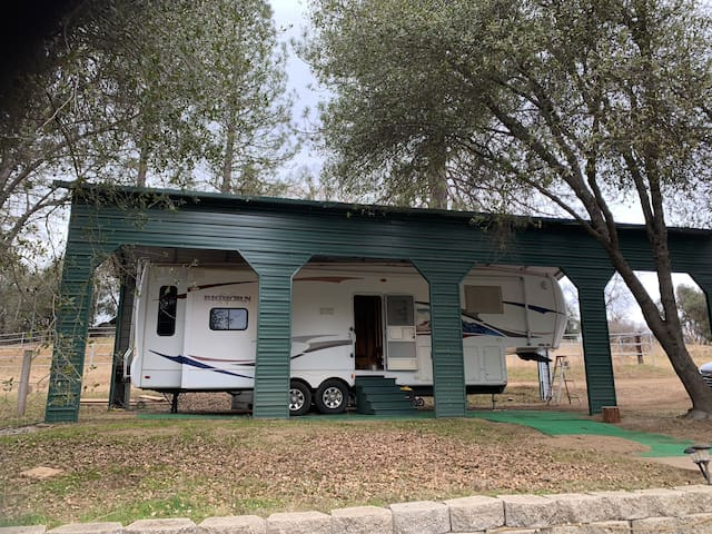 Deluxe RV camp by river, Best Location! 30 min/YNP