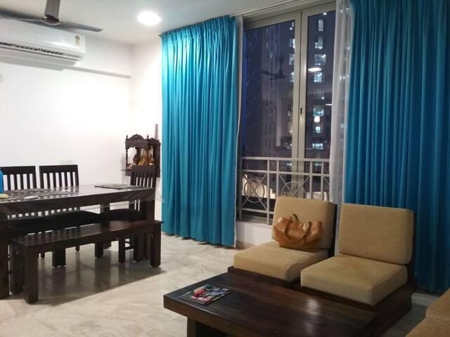 Luxury Ac Room +Lake View  Hiranandani Estate Roda