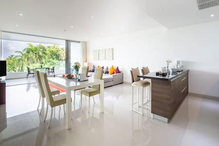 One bedroom apartment in Surin Phuket 107 sqm