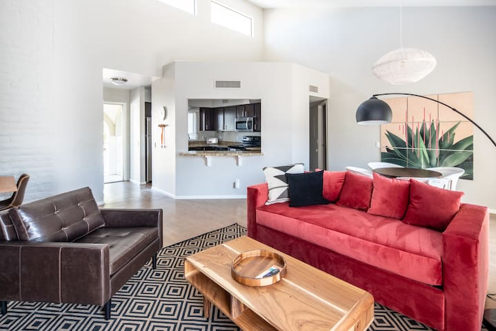 Airy 2BR in Central Scottsdale #280 by WanderJaunt