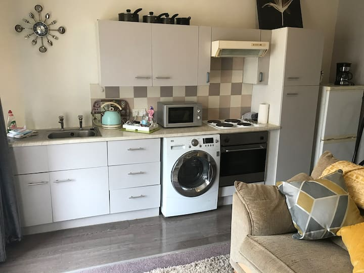 1 Bed First floor nr Promenade & Town Centre