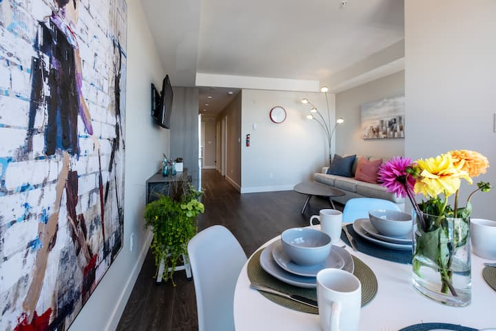 Super Clean, Legal, 4th Flr 1 BR in Old/China Town