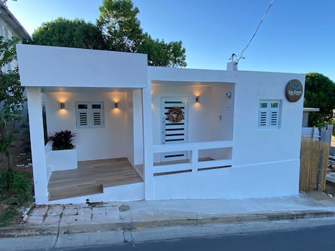 Casa Carmin (Close to ferry, beach and rest)