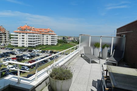 Bright, spacious studio with big, sunny terrace - Blankenberge