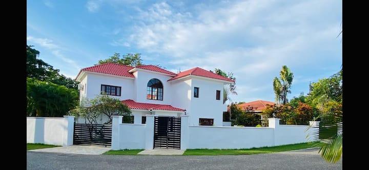 Luxurious Private Beach villa · 5 bedrooms