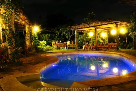 Distant Relatives Ecolodge: Dorm - Kilifi