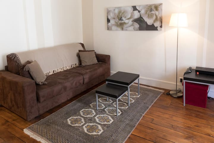 Centrally Located 1 Bedroom Apartment near Bastille