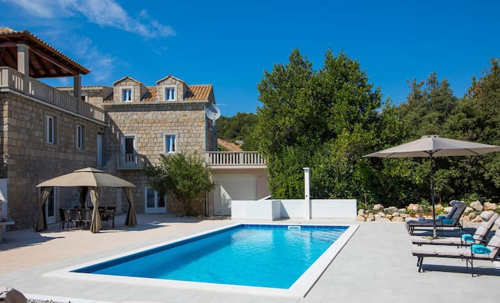 Hedera Estate, Villa Hedera IX