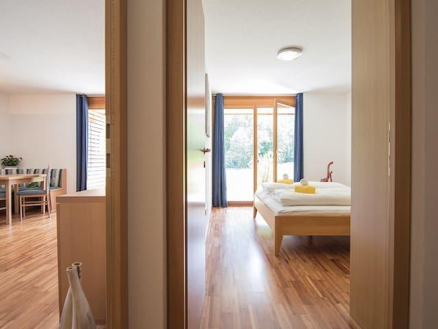 Wohnzimmer und Schlafzimmer