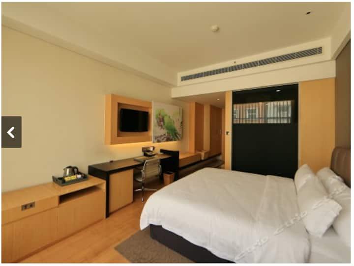 超划算  优价转让艺术主题酒店大床房及标准间