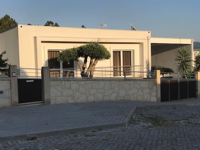 Die Casa do Sol ist ein modernes Haus