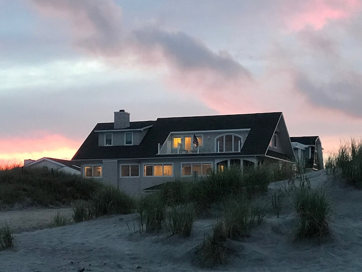 New Listing!! Oceanfront Home 6Bd/5bath, Sleeps 14