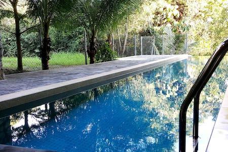 3 Storey Luxury Bungalow House - Seri Kembangan - Casa