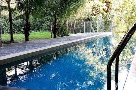 3 Storey Luxury Bungalow House - Talo