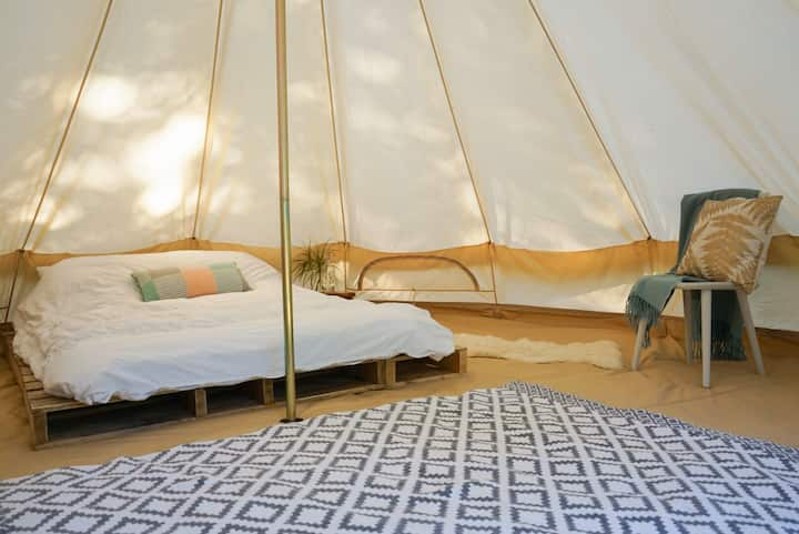 The Woods Surrey. Private woodland glamping