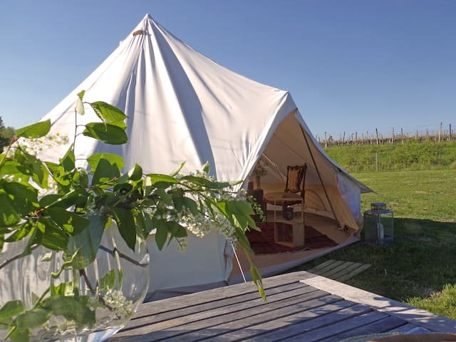 Tente-Tipi dans un camping écologique