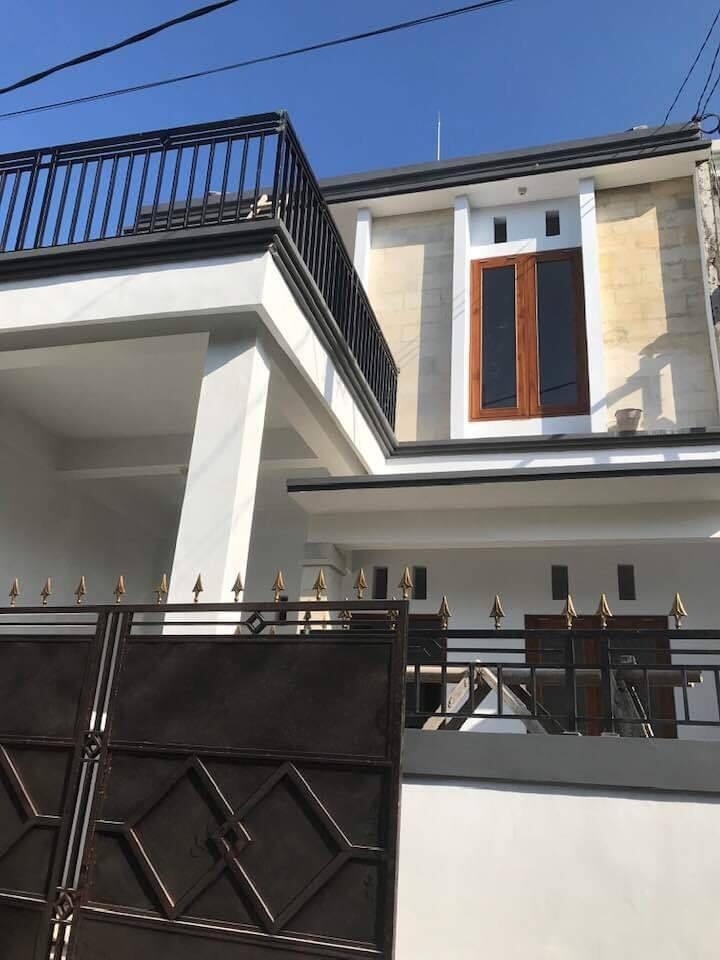 Dikontrakkan Rumah Baru di Peguyangan jln astasura