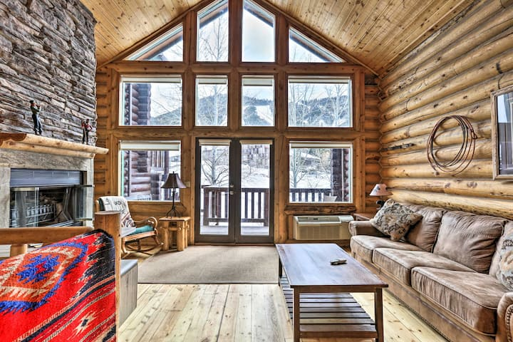 Mountain Retreat w/ Fireplace: .2 Mi to Snow King!