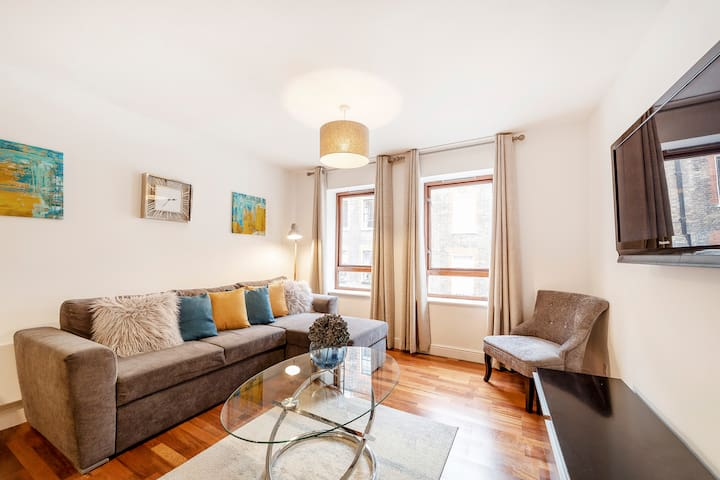 Cozy 2 bedroom Apartment near Leicester Sq.