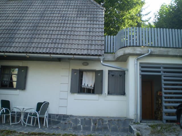 Holiday house in the mountain village GAČE-BELA - Komarna Vas - Apartamento