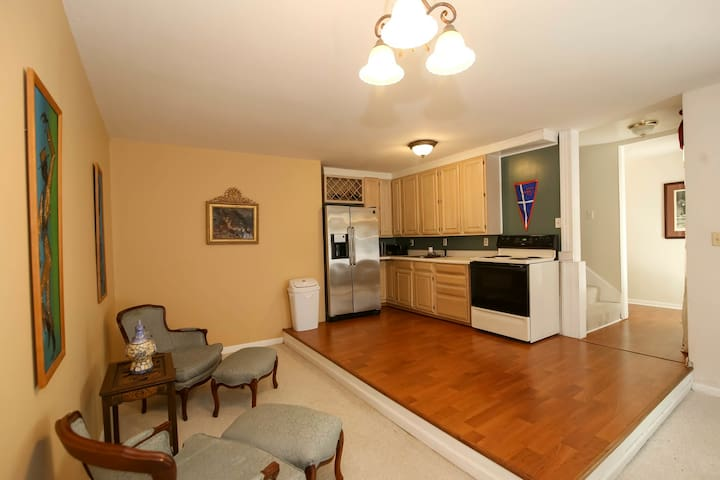 Exclusive Location, Private Guest Suite