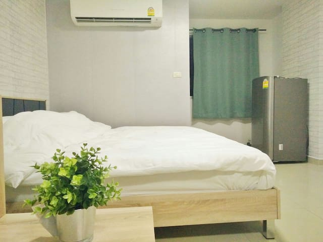 Bangkok cozy room near Donmang Airport +Free Wifi