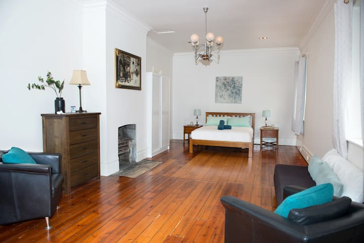 The Bank, perfect central 1 Bedroom Romantic Home