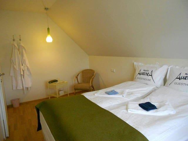 Room nr 2 : dbl / twin