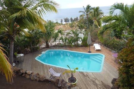 studio rez de jardin face piscine - Saint-Leu