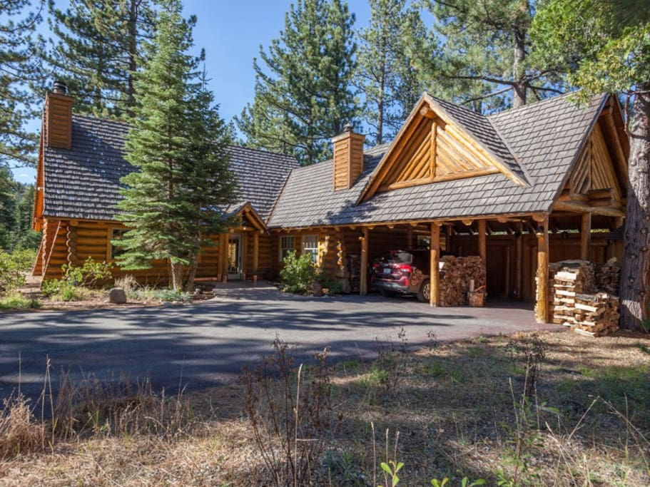 Front of this classic one-of-a-kind log home