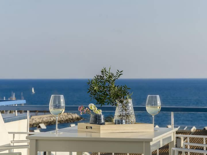 Sitges Spaces Sea View Paradise- 2 Beds / 2 Baths / Terrace- Up to 6 People