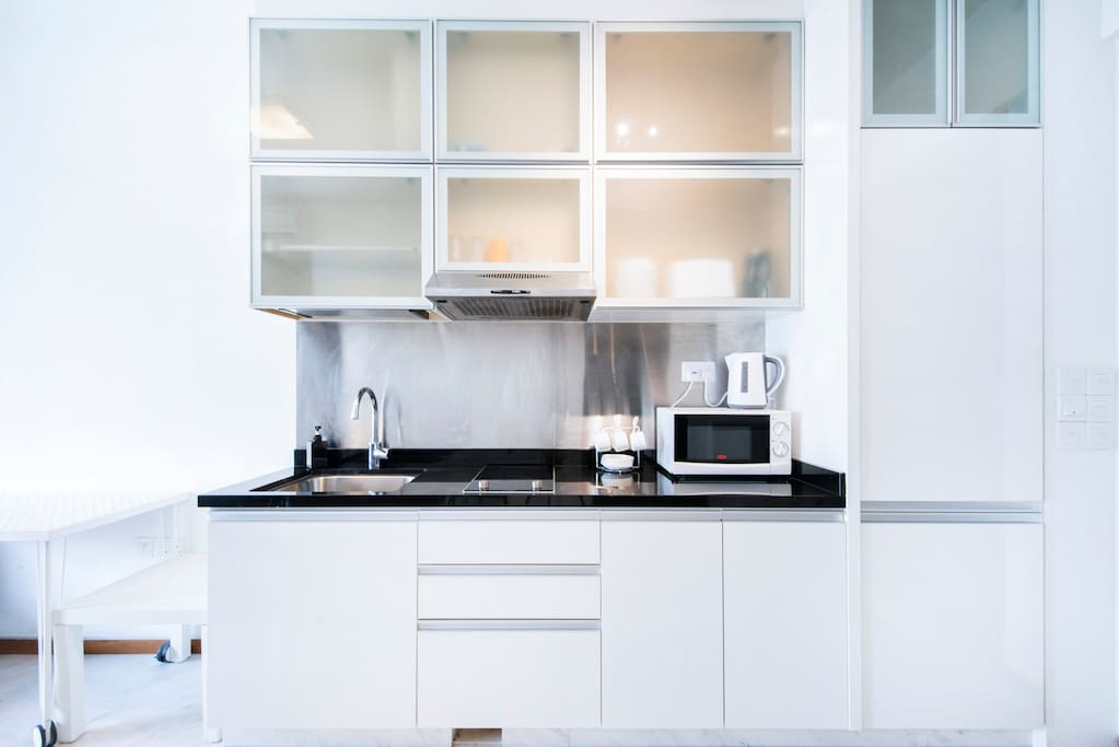 Fully equipped kitchen with utensils and cabinets for your everyday needs