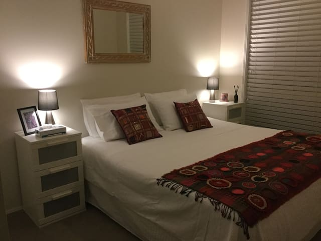 Charming double room in 3 bed villa - Booker Bay - Villa