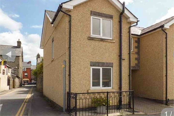 Bala Modern 2 bedroom Town House