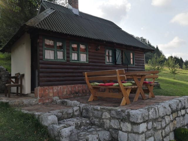 Cosy mountain cottage ( National park Tara )