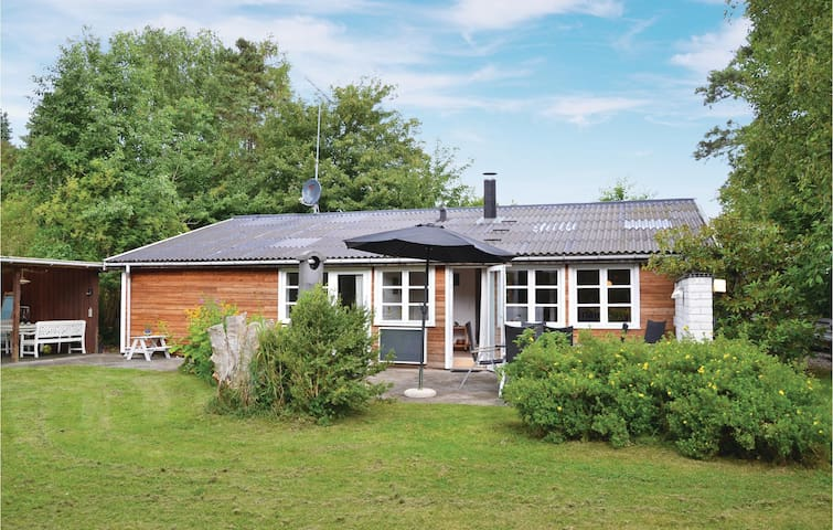 Holiday cottage with 3 bedrooms on 110m² in Græsted