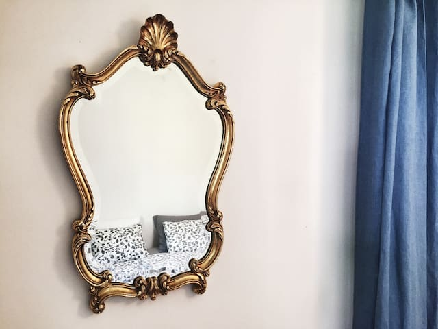 """""""The apartment is gorgeous! It is beautifully done, well equipped, very clean and spacious. Eva has lovely little touches and gives great attention to detail. """" Phil & Heather, April 2018"""