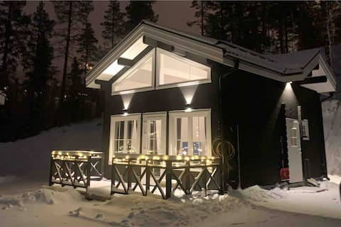 Klockarfjället, Adolf Hallgrensväg Norra.