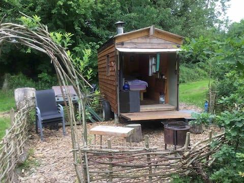 """The Meadow"" Shepherds Hut @ Ballymartrim Wood"