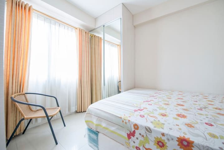 Clean 2 Bedroom Kalibata City Apt + Swimming Pool