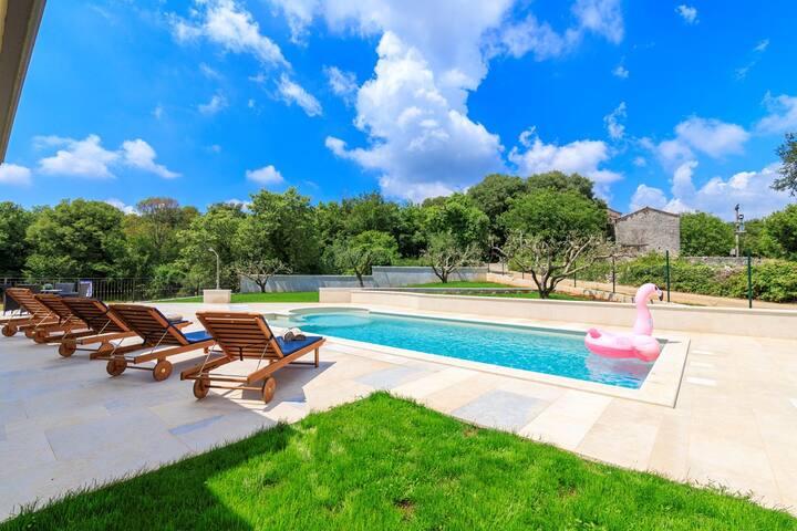 House Villa Ella (73944-K1)