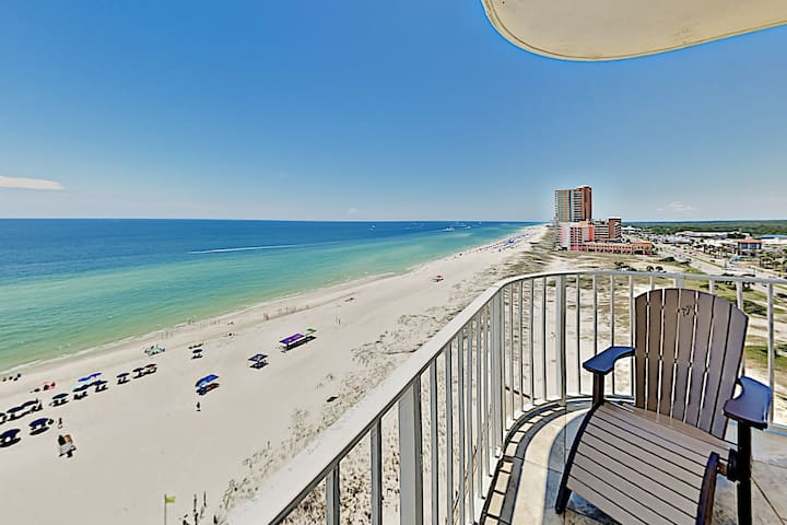 Gulf-Front Condo with Pools & Hot Tub