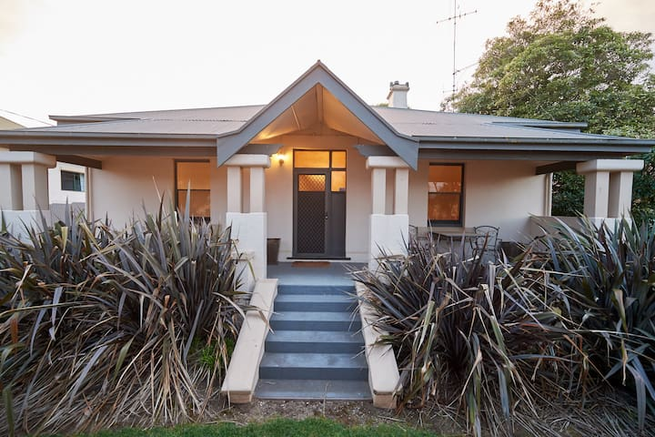 Anzac 12 Self-Contained House