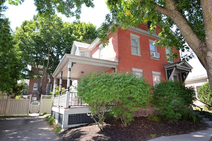 Charming Historic Home Two Blocks to Church Street